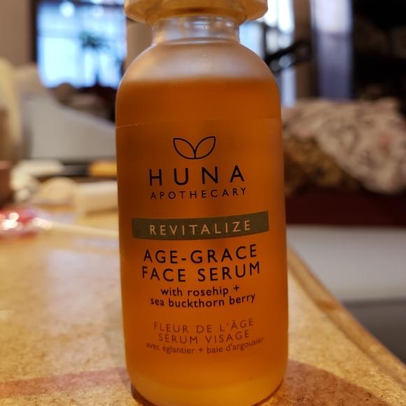 Brand new. Huna Apothecary Face Serum